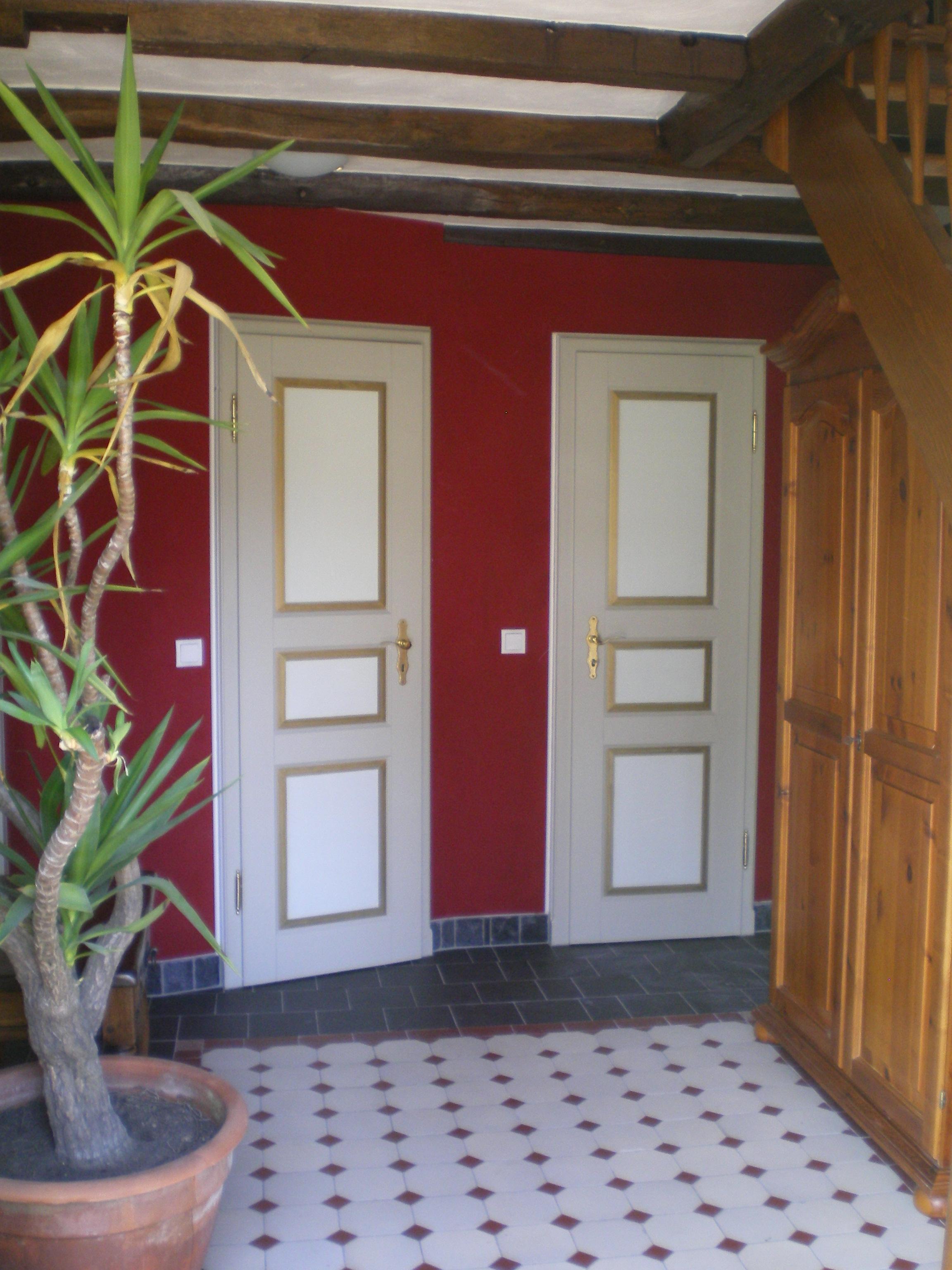 linke Tür: WC rechte Tür: Abstellraum